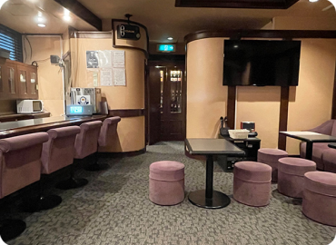 IoT 無⼈化 ソリューション『SMASSO®』を使った新しい空間活⽤ 元スナック店舗を『SMASSO®』でパーティスペース無⼈運⽤化︕